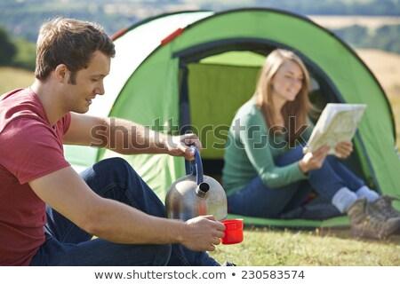 пару горячий напиток кемпинга женщину Сток-фото © HighwayStarz