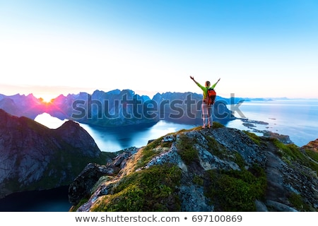Middernacht zon eilanden Noorwegen landschap Stockfoto © Harlekino