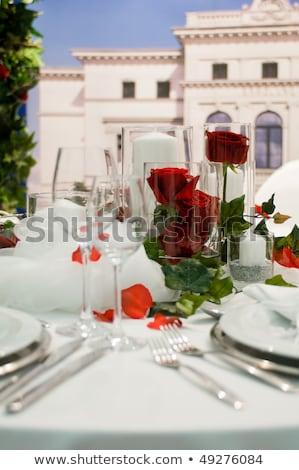 coberto · banquete · vermelho · rosas · vermelhas · decoração · tabela - foto stock © pixpack