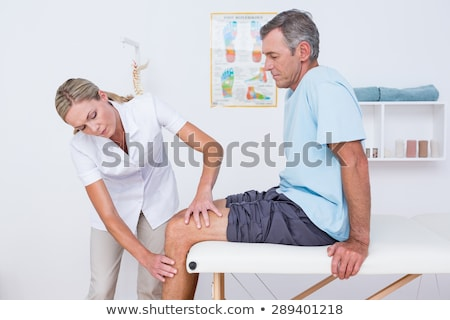 Foto d'archivio: Femminile · medico · ginocchio · paziente · uomo