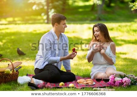 Foto stock: Sorridente · moço · mulher · sorrindo · mulher · sessão · juntos