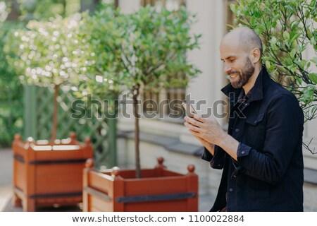 Aire libre vista atractivo calvo barbado jóvenes Foto stock © vkstudio