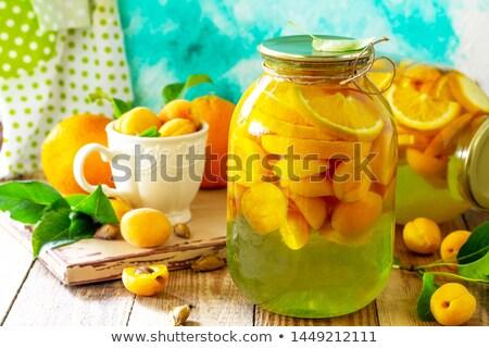Pomarańcze ogórki konserwowe jabłka sprzedaży rynku żywności Zdjęcia stock © elxeneize
