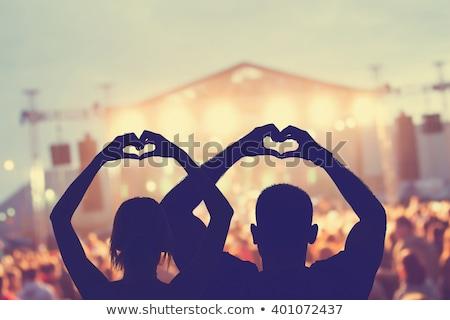 Foto stock: Música · rochas · amor · feliz · moço