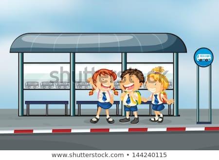 üç Öğrenciler bekleme otobüs otobüs durağı örnek Stok fotoğraf © colematt