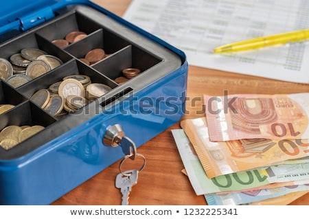 Cash vak bankbiljetten munten geld financieren Stockfoto © Zerbor