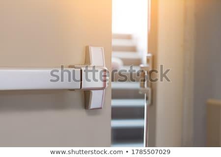 Kapı eski depo doku duvar Metal Stok fotoğraf © skylight