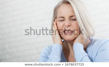 Maakt een reservekopie vrouw nekpijn naakt gezicht vrouwen Stockfoto © ra2studio