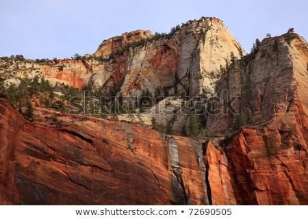 vermelho · branco · desfiladeiro · paredes · templo · parque - foto stock © billperry
