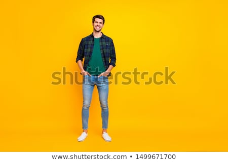 puce · jeunes · souriant · Guy · posant · style - photo stock © stockyimages