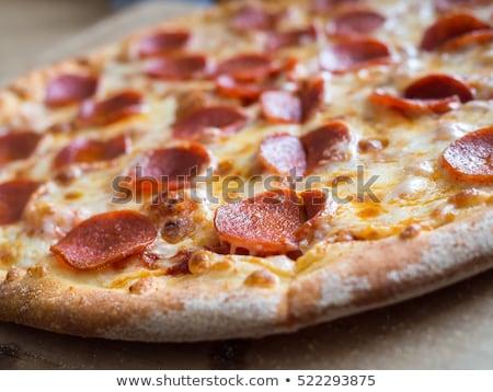 Vers gebakken peperoni pizza tomaten kaas Stockfoto © zhekos