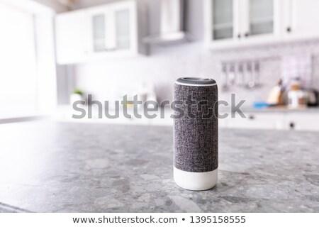 クローズアップ · ワイヤレス · スピーカー · キッチンカウンター · 家 · テクスチャ - ストックフォト © andreypopov