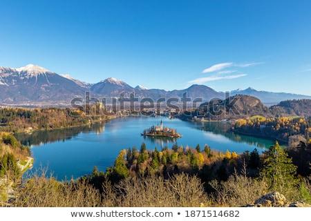 Sziget katolikus templom tó Szlovénia kicsi Stock fotó © Kayco