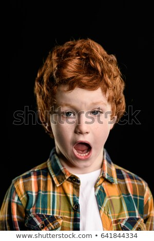 kicsi · fiú · vállak · égbolt · mosoly · szeretet - stock fotó © lightfieldstudios