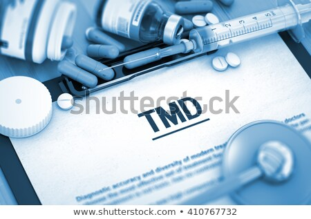 Diagnose medische afgedrukt wazig tekst pillen Stockfoto © tashatuvango