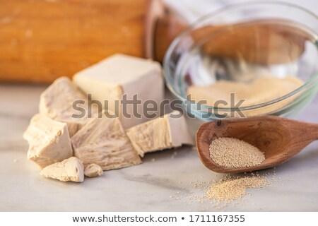 Frescos secar levadura tabla de cortar casa cocina Foto stock © jirkaejc