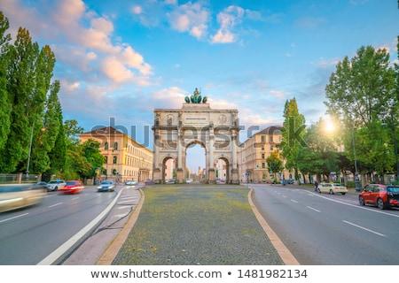 Estatua Munich Alemania mujer arte león Foto stock © haraldmuc