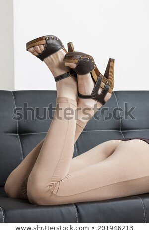 Detail vrouw zomerschoenen benen persoon Stockfoto © phbcz