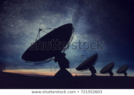 antenne · communicatie · schotelantenne · zwarte · zonnige · blauwe · hemel - stockfoto © jarin13