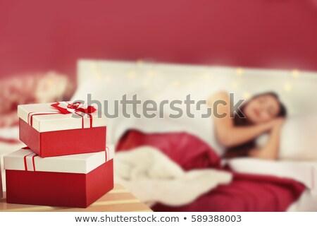 sorpresa · presente · dormir · blanco · dormitorio - foto stock © CandyboxPhoto