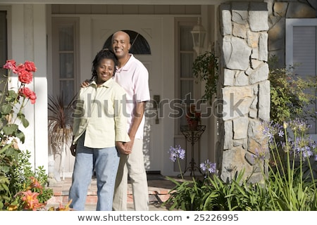 Homme femme maison couple porte d'entrée Photo stock © monkey_business