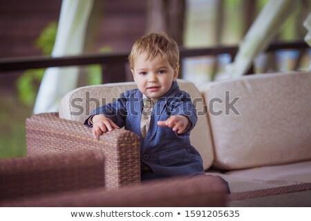 Jongen vijf jaren cafe bank frisse lucht Stockfoto © ElenaBatkova
