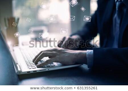 affaires · un · message · tenir · écran · tactile · téléphone · portable - photo stock © vlad_star
