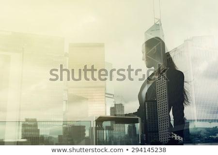 小さな ビジネス女性 見える 遠く 側面図 ストックフォト © feedough
