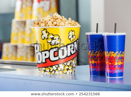 Cinéma bar contre casse-croûte popcorn boissons Photo stock © robuart