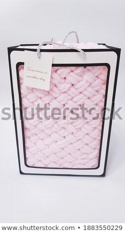 Sweet tricoté peluche couverture maternité Photo stock © dolgachov