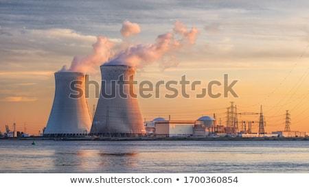 nucleaire · energiecentrale · zwart · wit · foto · infrastructuur · hemel - stockfoto © piedmontphoto
