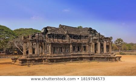 Pedra janela Camboja árvore fora antigo Foto stock © sumners