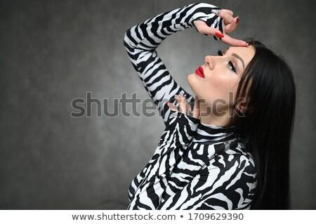 Groot portret brunette dame donkere Stockfoto © konradbak