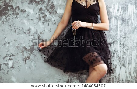 Vestido negro fiesta cinco damas negro vestidos Foto stock © Vg