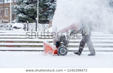 Photo stock: Travailleur · neige · rouge · uniforme · pelle · main