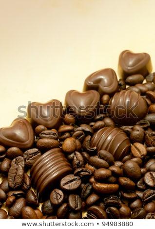 dois · chocolate · pó · grãos · de · café · colheres · branco - foto stock © andreykr