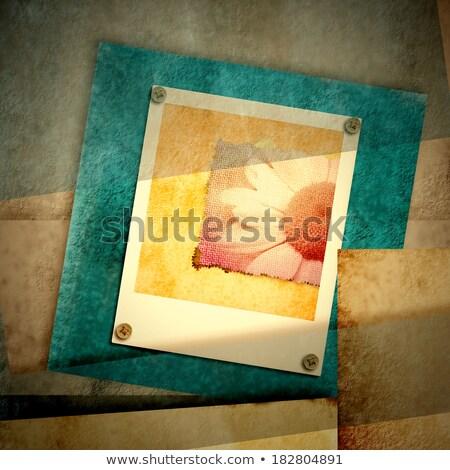 pillanatfelvétel · kéz · tart · mobiltelefon · elvesz · papír - stock fotó © marimorena