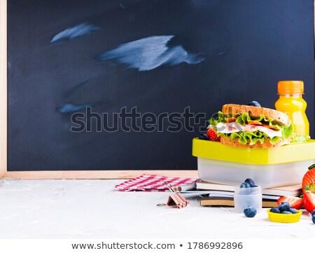 adolescente · salade · déjeuner - photo stock © lightsource
