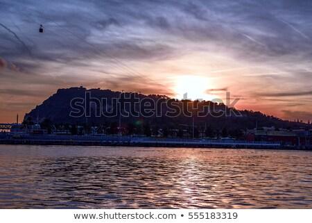 Kikötő hegy éjszaka Barcelona Spanyolország víz Stock fotó © frimufilms