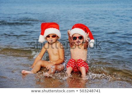 Stockfoto: Twee · jongens · vieren · christmas · strand · boom
