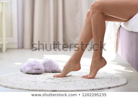 Foto stock: Mulher · sessão · cama · sorridente · mulher · loira
