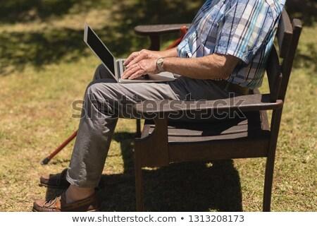 低い セクション シニア 男 ラップトップを使用して 座って ストックフォト © wavebreak_media