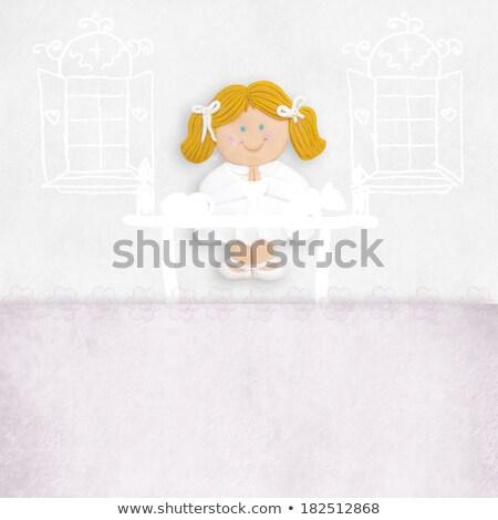 Dziewczyna pierwsza komunia ołtarz kościoła przestrzeni Zdjęcia stock © marimorena