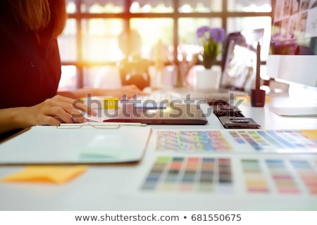graficzne · projektant · grafiki · tabletka · kobiet · biuro - zdjęcia stock © wavebreak_media