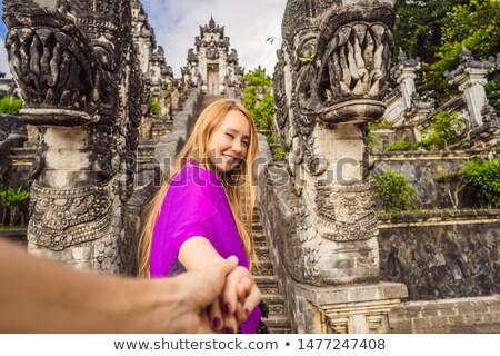 Jeune femme touristiques trois pierre belle temple Photo stock © galitskaya