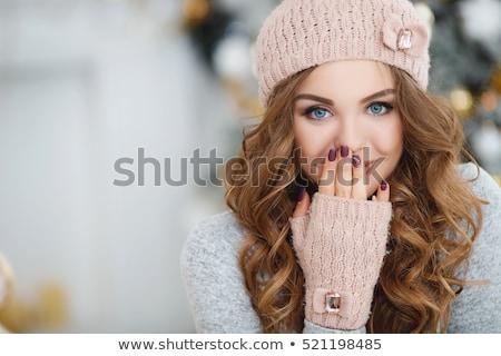 młodych · szczęśliwy · kobieta · zimą · cap - zdjęcia stock © Rob_Stark