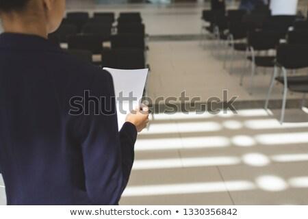 вид сзади деловая женщина речи пусто конференц-зал служба Сток-фото © wavebreak_media