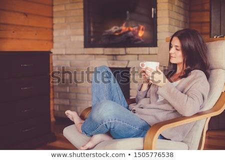 Stok fotoğraf: Kadın · oturma · şömine · noel · ağacı · hediye · kutusu