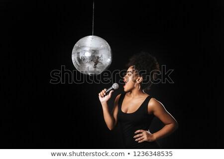 Afbeelding mooie afrikaanse vrouw permanente zilver Stockfoto © deandrobot