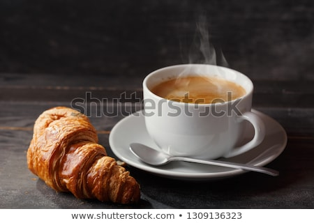 Kahve kruvasan güneşli bahçe tablo fransız Stok fotoğraf © karandaev